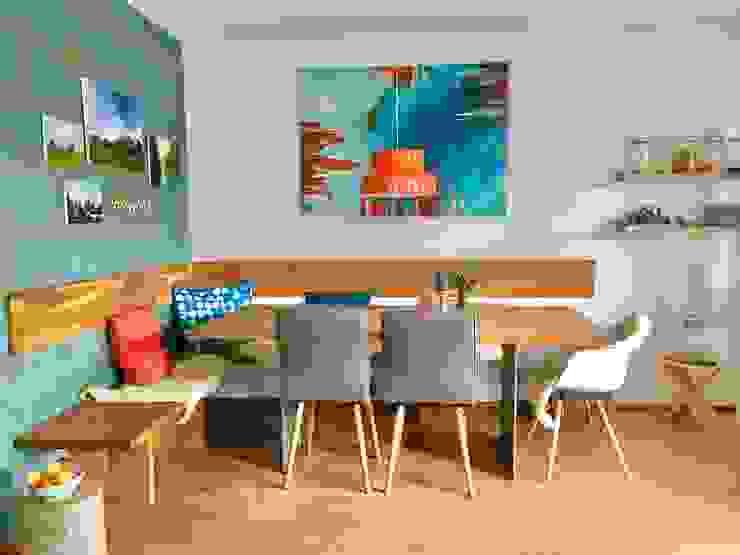 Modern dining room by WAND & SOFA Raumgestaltung Modern