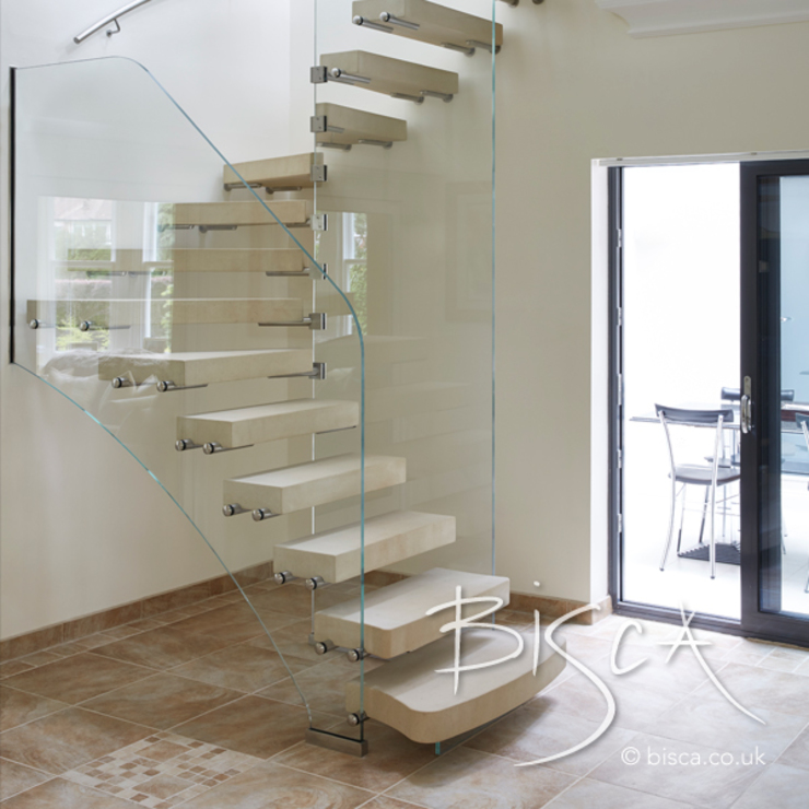 Sandstone Staircase for Pool House and Gym Area 根據 Bisca Staircases 地中海風 石器