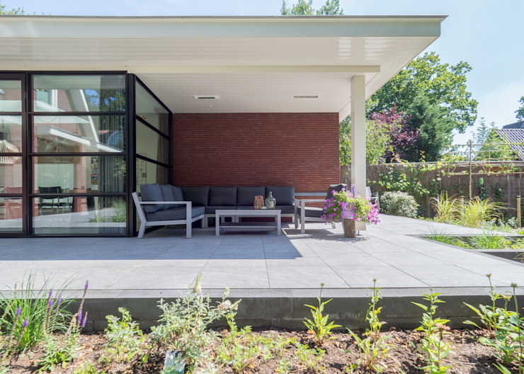 Modern style gardens by By Lilian Modern