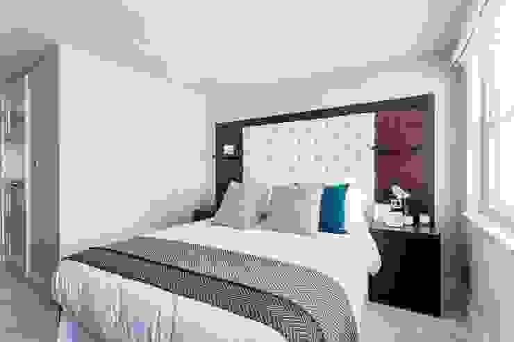 Bedroom:  Bedroom by GK Architects Ltd