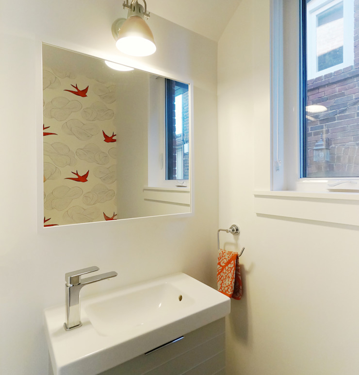 Oakwood Village House - Powder Room Solares Architecture Eclectic style bathroom Wood White