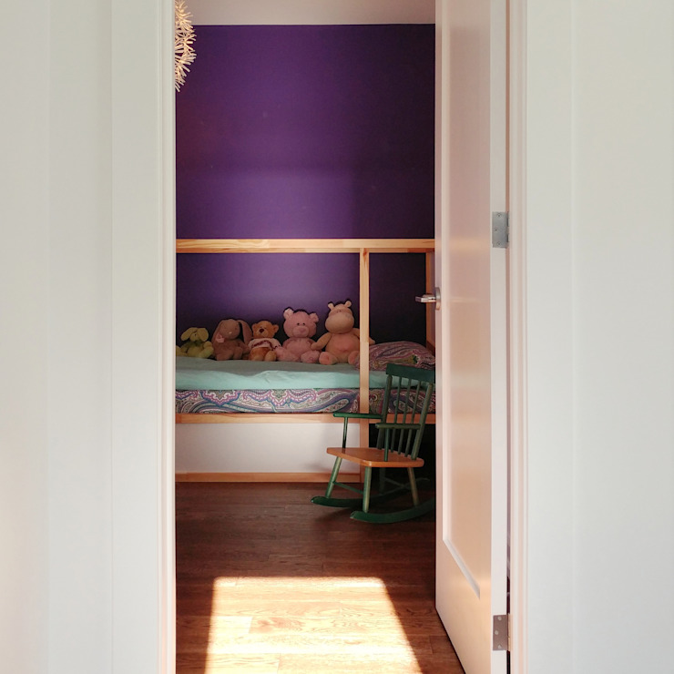 Oakwood Village House - Kid's Room Solares Architecture Eclectic style bedroom Wood Purple/Violet