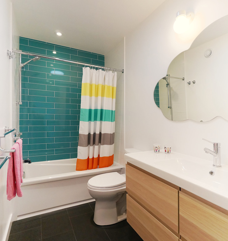 Oakwood Village House - Kids' Bathroom Solares Architecture Eclectic style bathroom Ceramic Blue