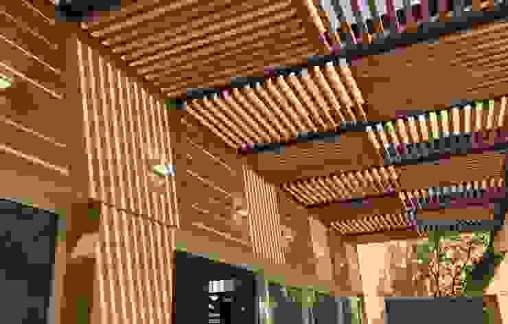 Revah Arqs Balkon, Beranda & Teras Modern