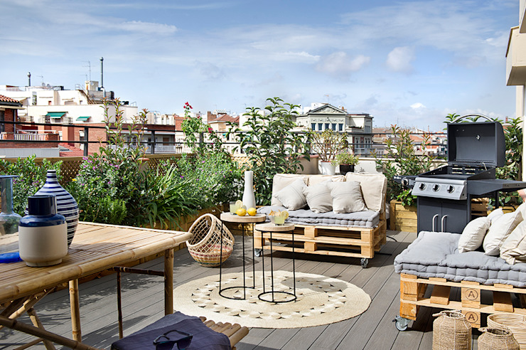 Balcone, Veranda & Terrazza in stile mediterraneo di Egue y Seta Mediterraneo