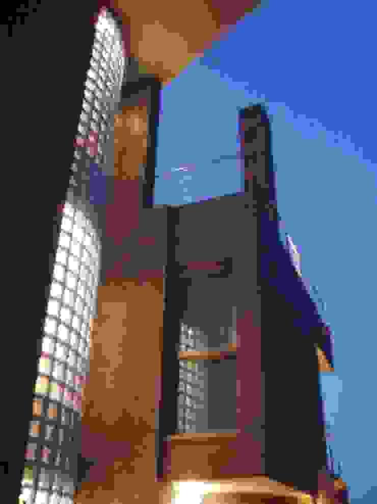 VIVIENDA UNIFAMILIAR EN TORRE GUIL, MURCIA Casas de estilo moderno de ARQUITECTO VIVIENDAS UNIFAMILIARES EN MURCIA Moderno