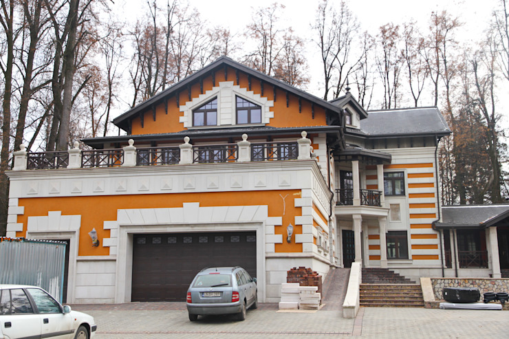 Classic style houses by Реставратор Classic