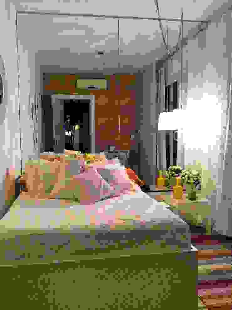 STUDIO AGUIAR E DINIS Modern style bedroom