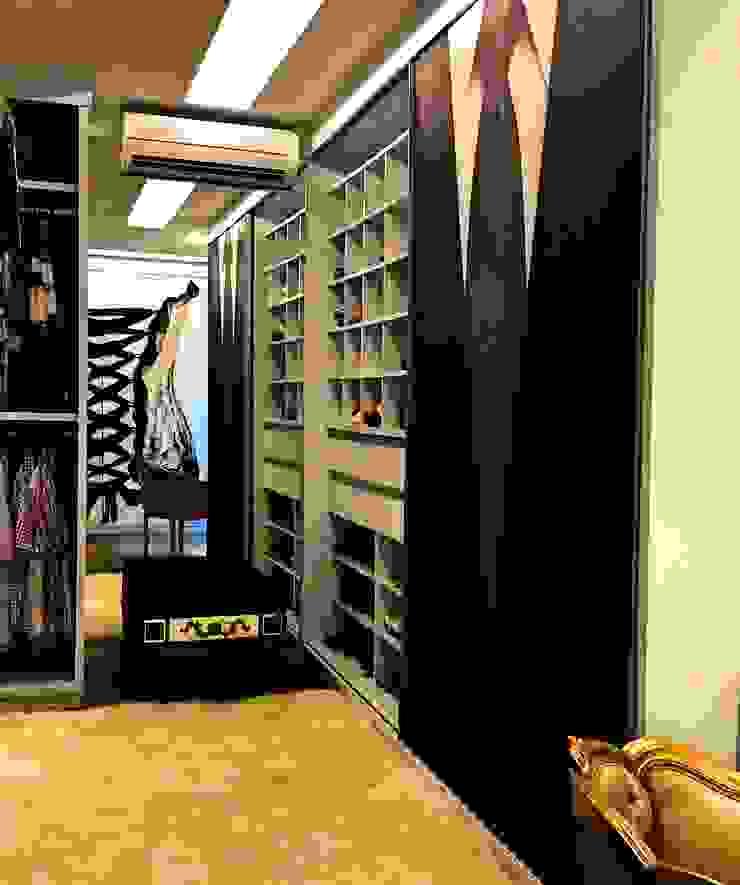 STUDIO AGUIAR E DINIS Closets