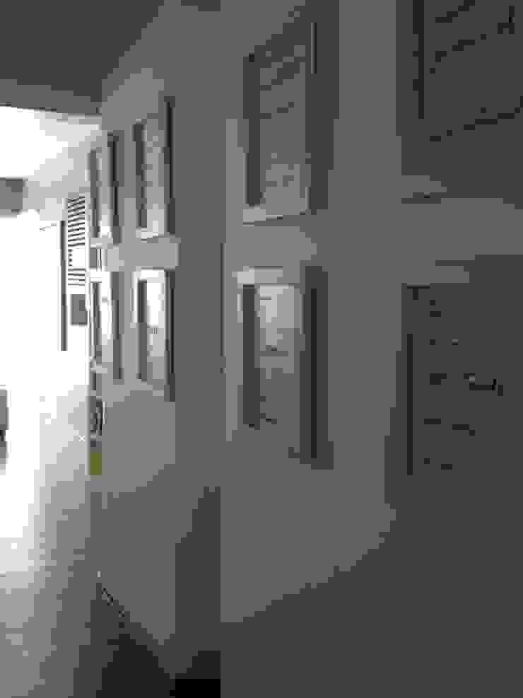 pasillo Pasillos, vestíbulos y escaleras de estilo moderno de MIRIAM ESCOBEDO INTERIORISTA Moderno