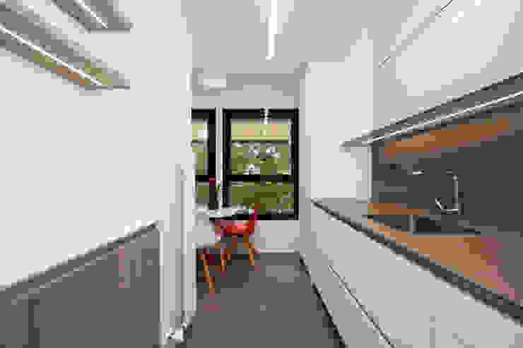 Sincro Built-in kitchens Limestone White