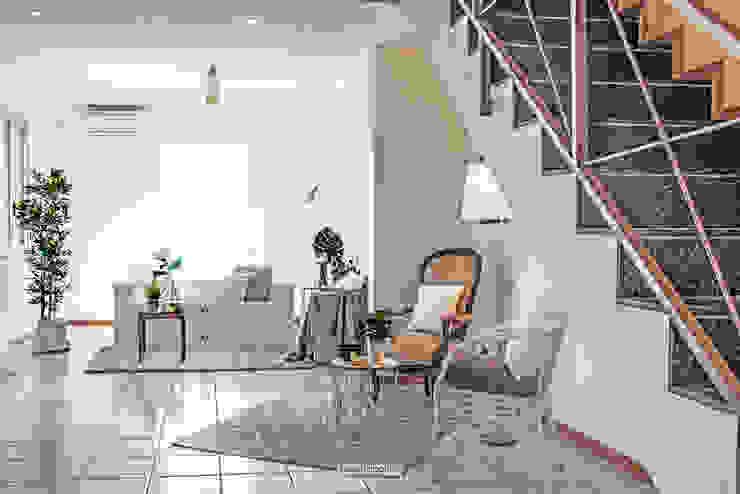rosalba barrile architetto Ruang Keluarga Gaya Skandinavia White
