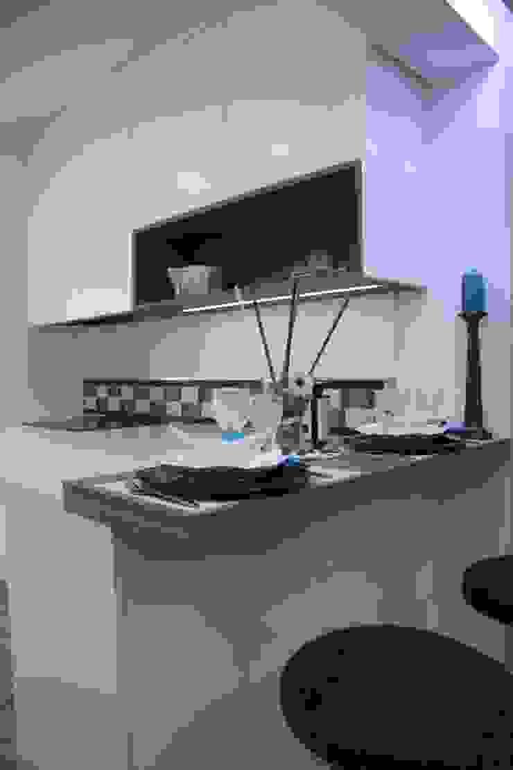 by Moderestilo - Cozinhas e equipamentos Lda Modern