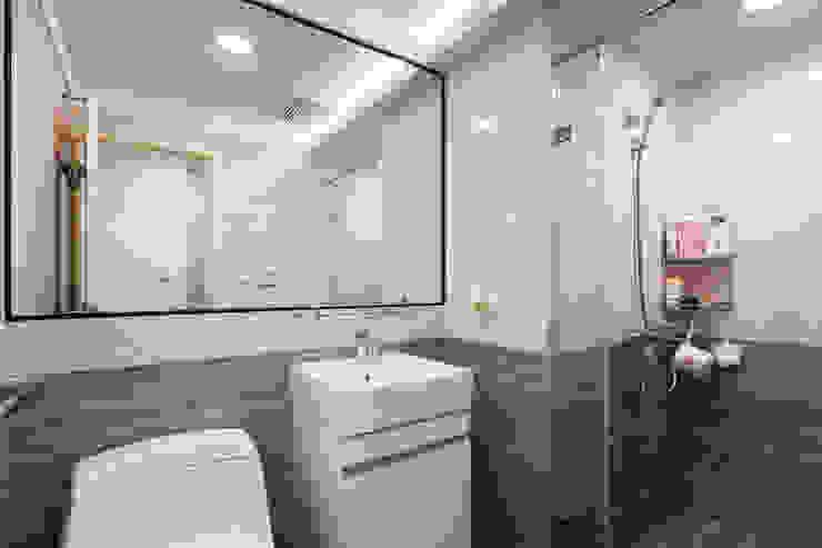 Modern bathroom by 好室佳室內設計 Modern