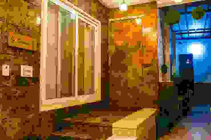 Modern style doors by ESHA GARG : Interior Designer Modern