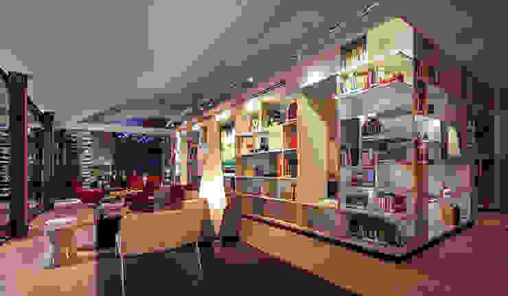 Biblioteca Estudios y despachos modernos de homify Moderno Madera Acabado en madera