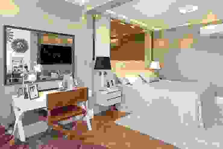 現代浴室設計點子、靈感&圖片 根據 Célia Orlandi por Ato em Arte 現代風