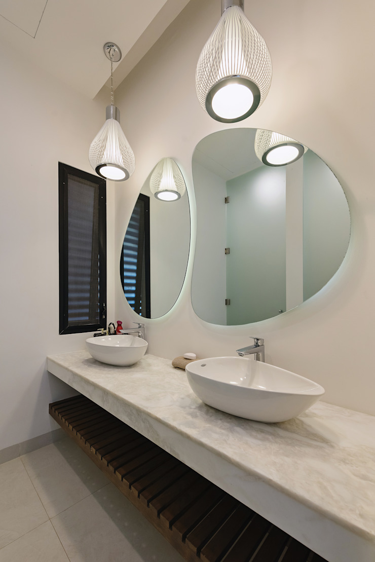 Ancona + Ancona Arquitectos Modern Bathroom