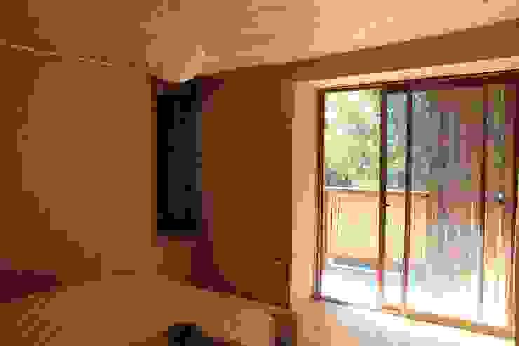 Casa de Fardos Dormitorios de estilo rústico de Kimche Arquitectos Rústico