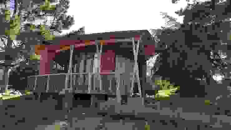 KIMCHE LODGE, CAMINO A CAHUIL, PICHILEMU de KIMCHE ARQUITECTOS Rústico Madera Acabado en madera