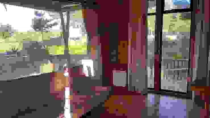 Kimche Lodge Comedores de estilo mediterráneo de Kimche Arquitectos Mediterráneo Madera Acabado en madera