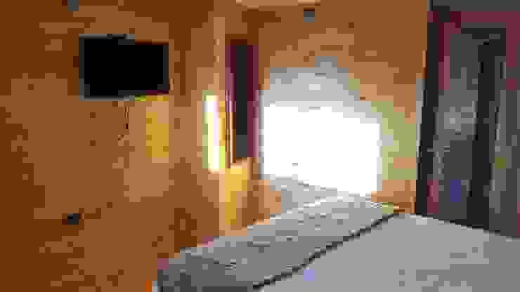 KIMCHE LODGE, CAMINO A CAHUIL, PICHILEMU Dormitorios de estilo rústico de KIMCHE ARQUITECTOS Rústico Madera Acabado en madera