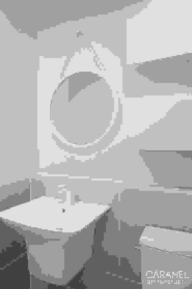 마이너스옵션_ 화이트 인테리어 모던스타일 욕실 by 카라멜 디자인 스튜디오 모던