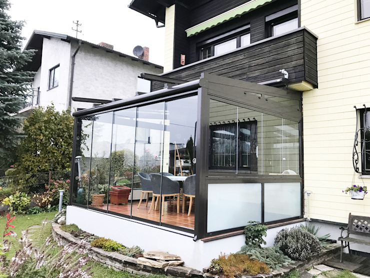 Schmidinger Wintergärten, Fenster & Verglasungen Classic style conservatory Glass Grey