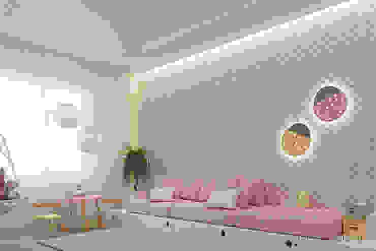 Детские комнаты в . Автор – Tobi Architects, Минимализм