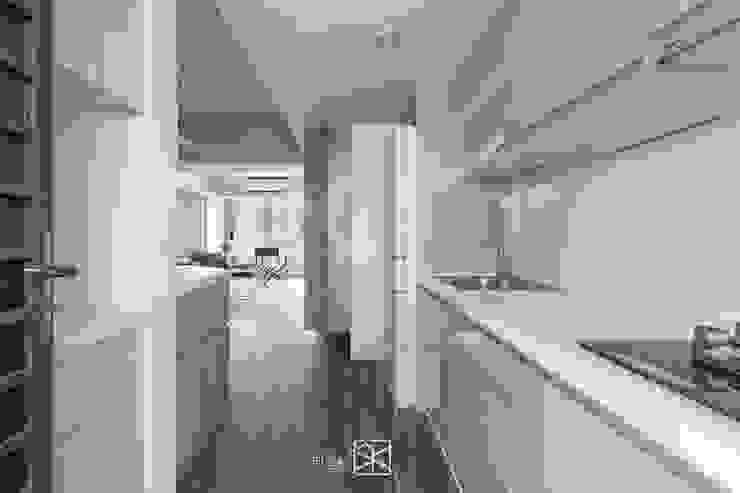 Módulos de cocina de estilo  de 禾廊室內設計, Minimalista