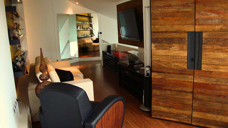 Residencia Alves STUDIO AGUIAR E DINIS Modern media room
