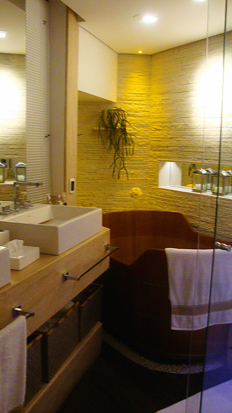 Residencia Alves STUDIO AGUIAR E DINIS Modern bathroom