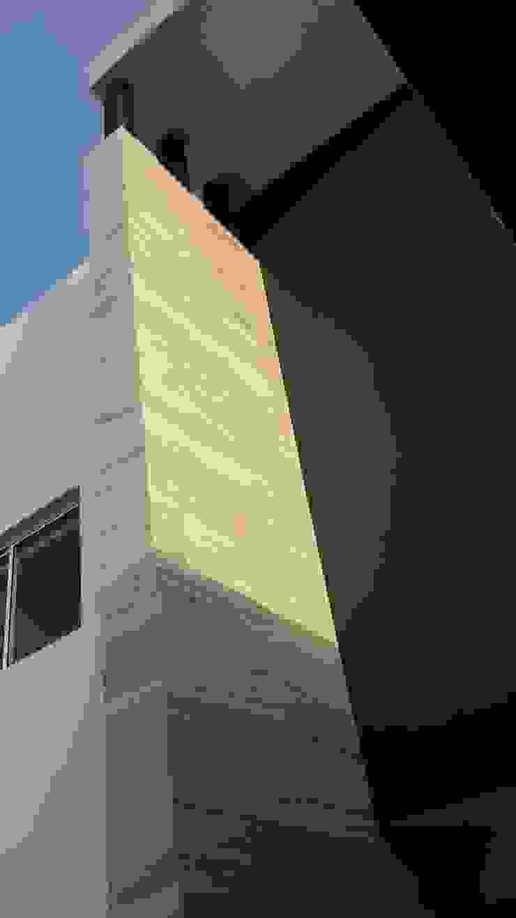 by Daniel Teyechea, Arquitectura & Construccion