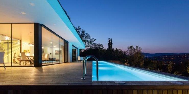 Piscinas de estilo  por IDEAL WORK Srl, Moderno