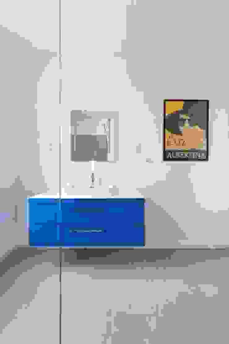 Modern Bathroom by IDEAL WORK Srl Modern Concrete
