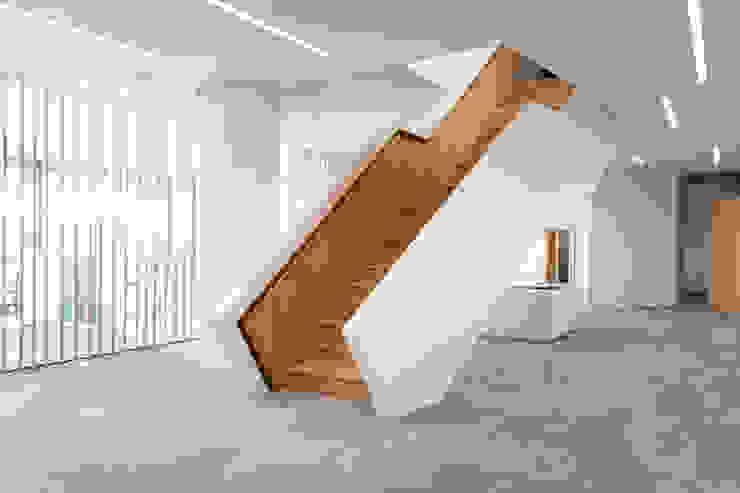 Gerade Treppe mit Zwischenpodest Holzmanufaktur Ballert e.K. Treppe
