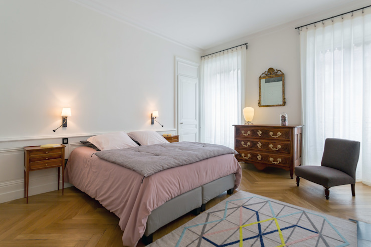 Classic style bedroom by Thomas Marquez Photographie Classic