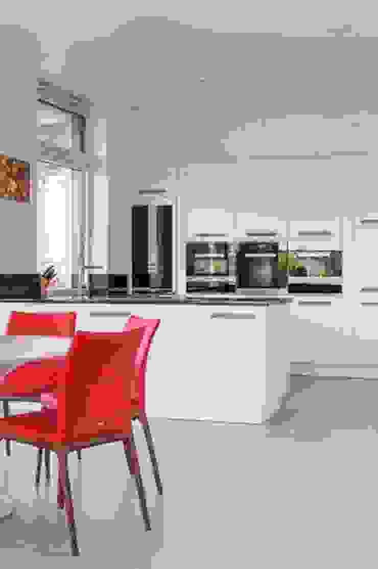 Modern Kitchen by IDEAL WORK Srl Modern Concrete