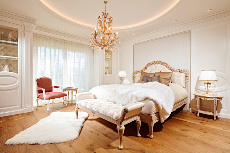 Classic style bedroom by BAUR WohnFaszination GmbH Classic Wood Wood effect