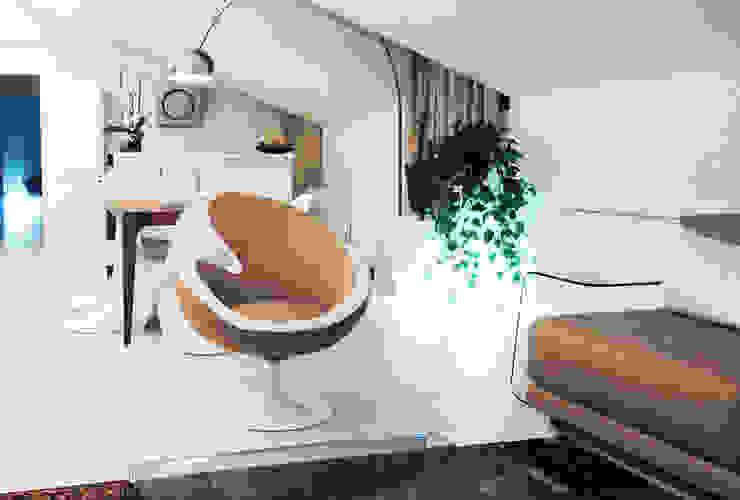 DELFINETTIDESIGN Livings de estilo moderno Madera Blanco