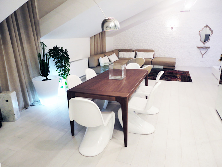 zona giorno DELFINETTIDESIGN Sala da pranzo moderna Legno Effetto legno