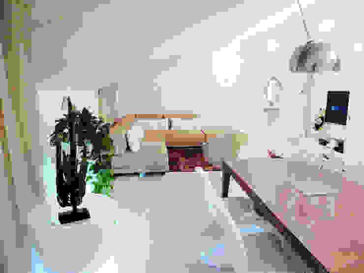 zona giorno/cucina DELFINETTIDESIGN Sala da pranzo moderna Legno Bianco