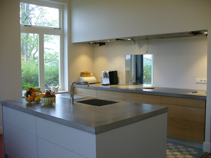 keuken woonboerderij Moderne keukens van Meubelmakerij Luitjens Modern