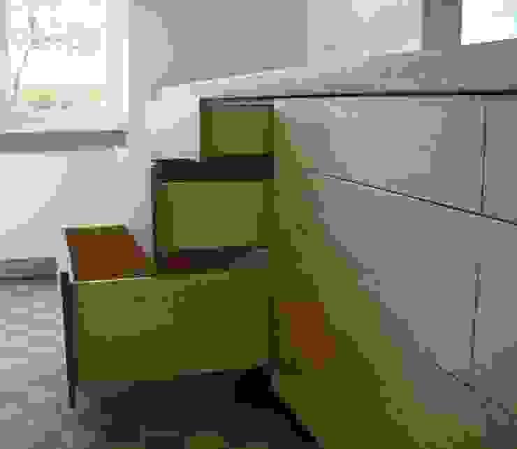greeploze lades met eiken frontjes Moderne keukens van Meubelmakerij Luitjens Modern