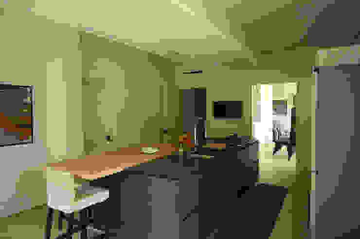 Villa unifamiliare_1 STUDIO D'AMICO Cucina attrezzata
