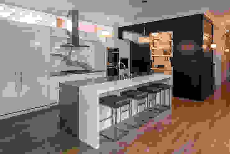 Glebe Avenue Residence by Flynn Architect Classic