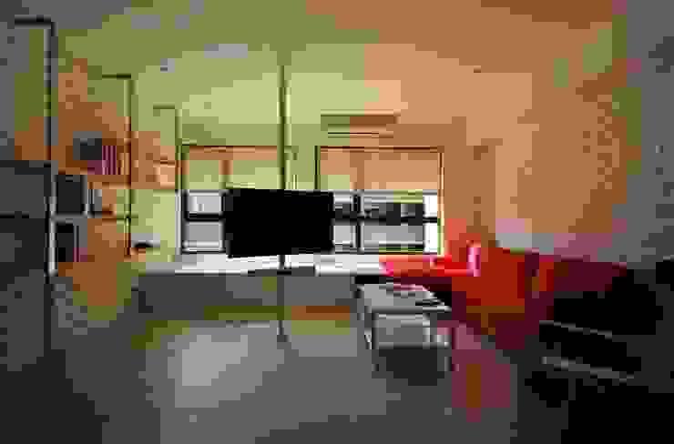 【住宅設計】淡水伊東市 – 26坪美式Loft風格:  客廳 by 大觀創境空間設計事務所,