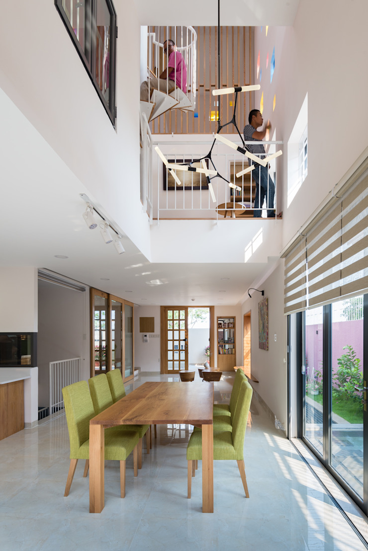 2H House bởi truong an design consultant corporation Hiện đại