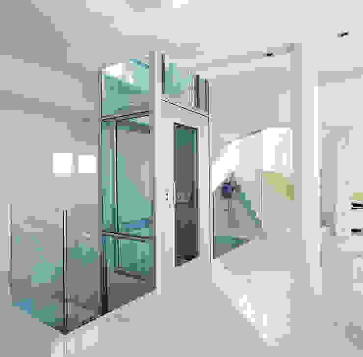 Domuslift para interior por homify Moderno