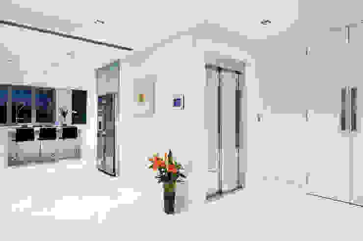 Elevador residencial Cozinhas modernas por homify Moderno